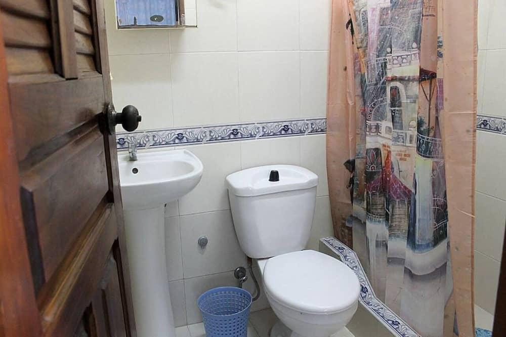 Трехместный номер «Делюкс» - Ванная комната