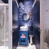 8-Bed Mixed Dormitory - Bathroom