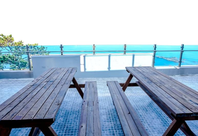 Pohang Pinewave Sea & Spa Pension, Pohang, Byt typu Premium (B8), Balkón