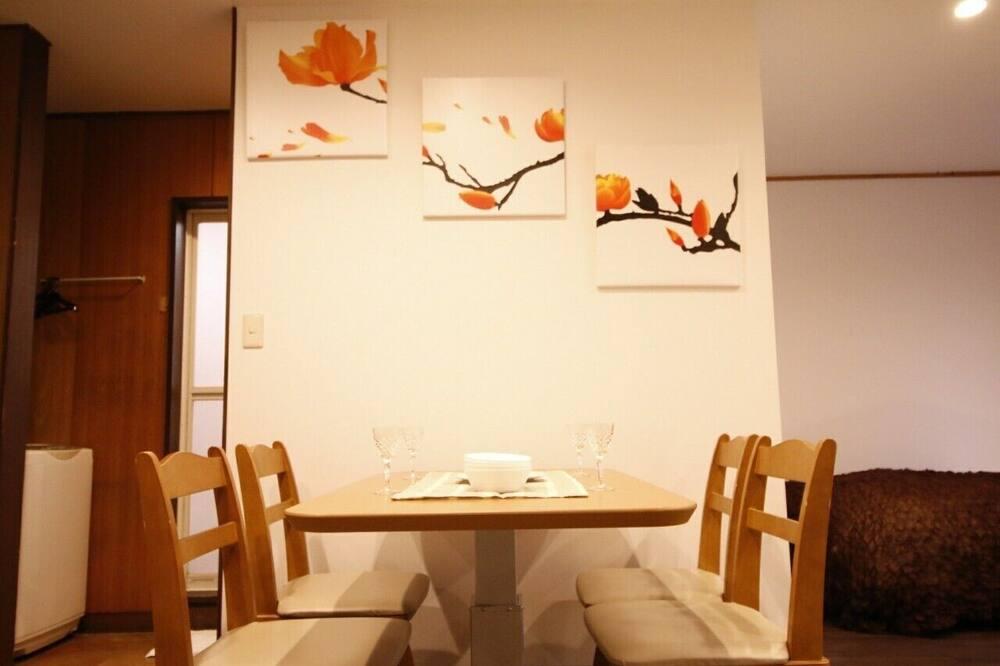 Standard Double Room - Tempat Makan dalam Bilik