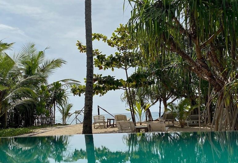 Serein Beach Hotel by DBI, Тангалле, Бассейн