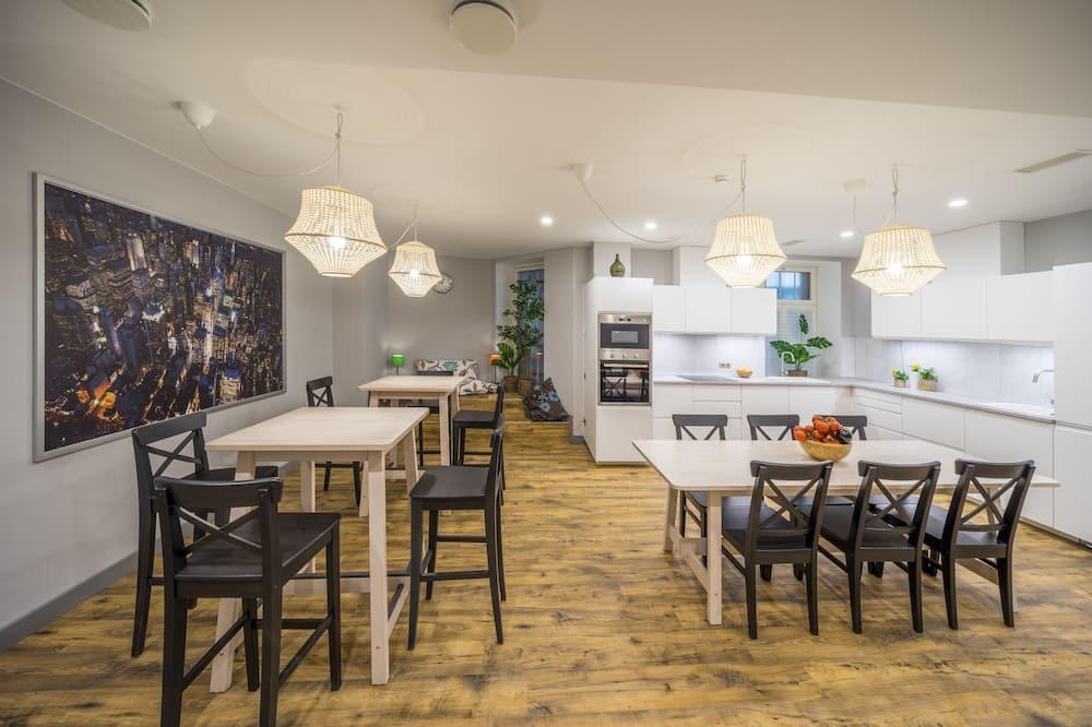 Dvokrevetna soba, privatna kupaonica - Zajednička kuhinja