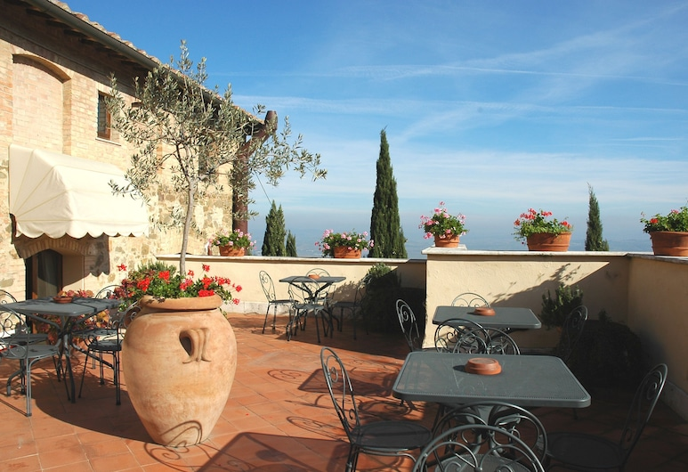 Hotel Vecchia Oliviera, Montalcino, Teras/Veranda