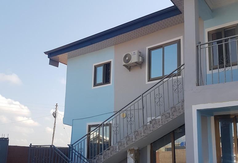 プライベート エグゼクティブ アパートメンツ, Accra, 施設の入り口