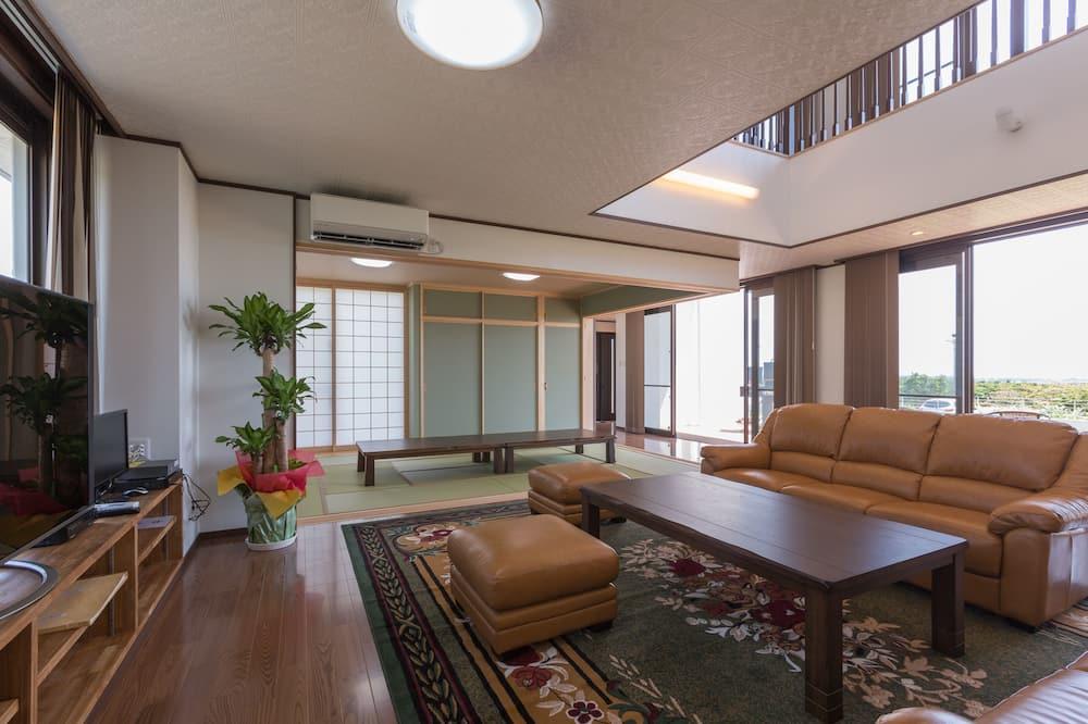 Casa (Private Vacation Home) - Soggiorno