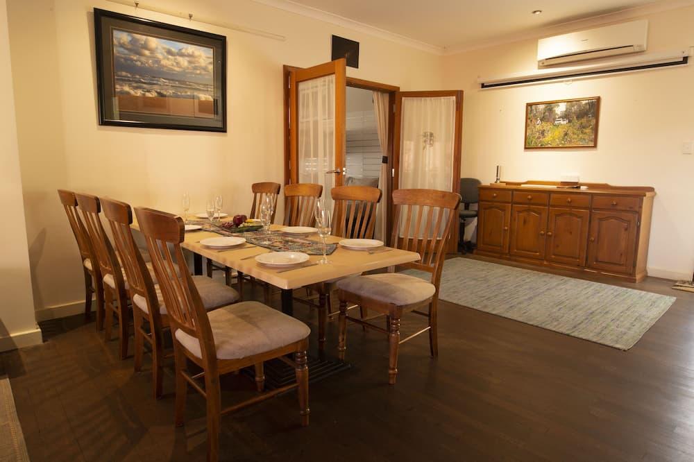 Casa familiar - Servicio de comidas en la habitación