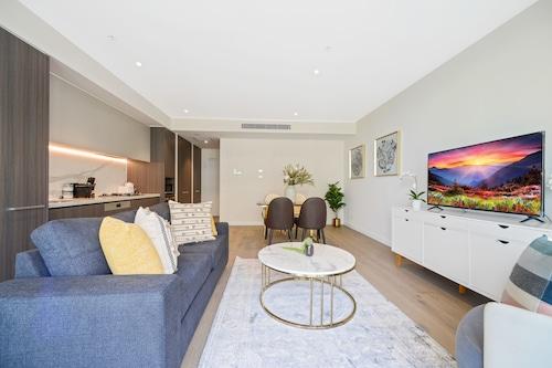HomeHotel-Luxurious