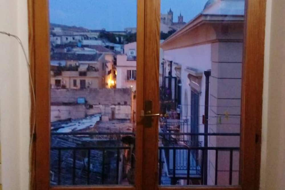 House With 4 Bedrooms in Palermo, With Wonderful City View, Balcony and Wifi - 5 km From the Beach