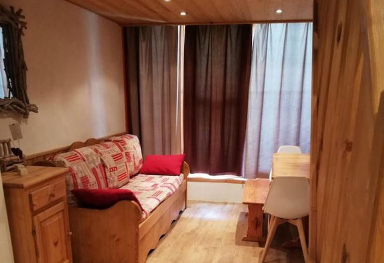 Apartment With 2 Bedrooms in Bourg-saint-maurice, With Wonderful Mountain View, Furnished Balcony and Wifi - 100 m From the Slopes, Bourg-Saint-Maurice