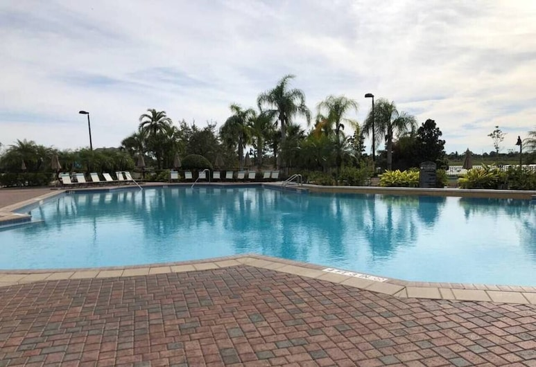 Tideview 166 · NEW Ultra Modern & Super Clean 3 Full Suites, Orlando, Outdoor Pool