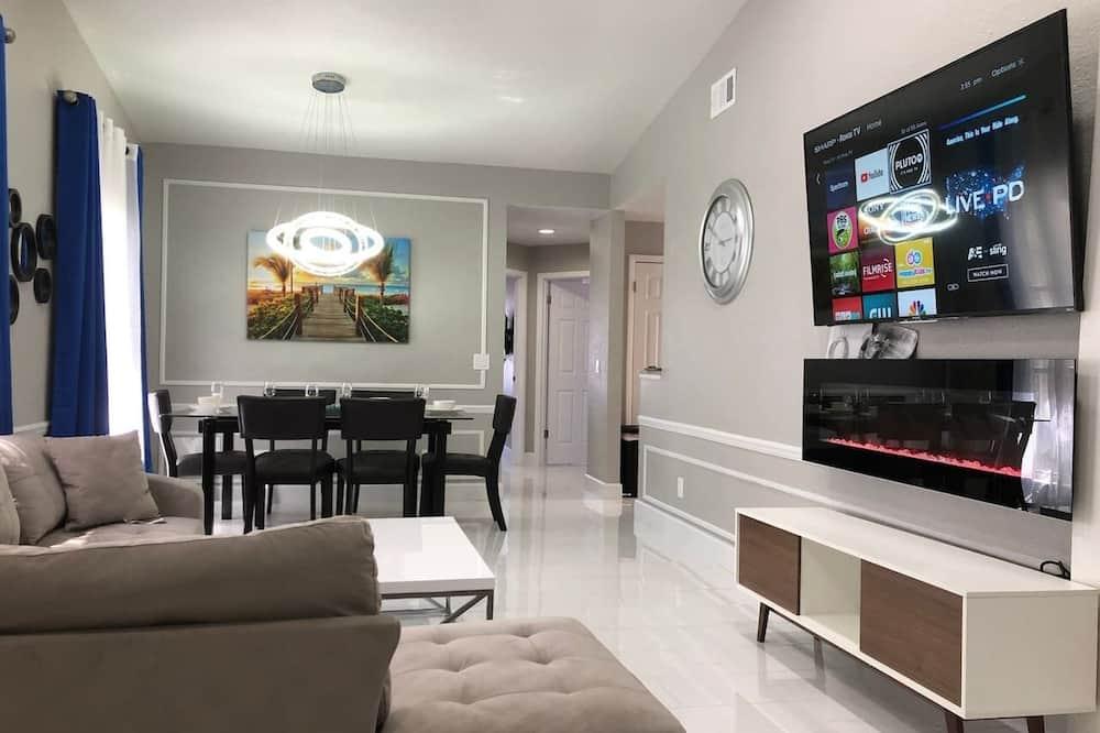 Namas (3 Bedrooms) - Svetainės zona