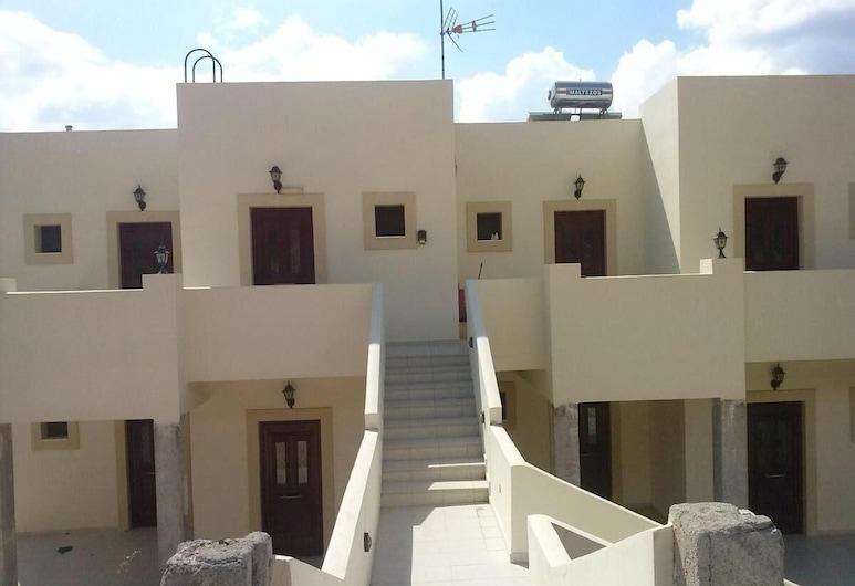 Kouros Studios, Rhodes, Bagian Depan Hotel