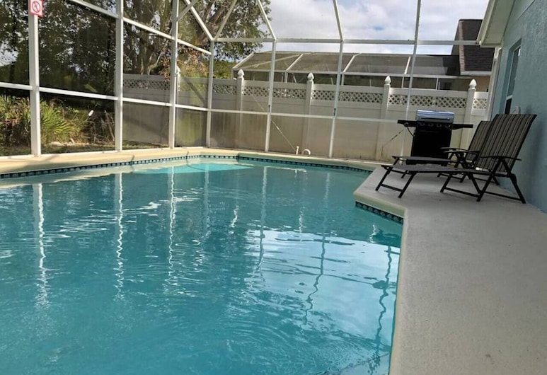 Hamlet by I-4 · New! 5 Bedroom Pool Villa. Sleep 15+ Orlando, Kissimmee, Pool