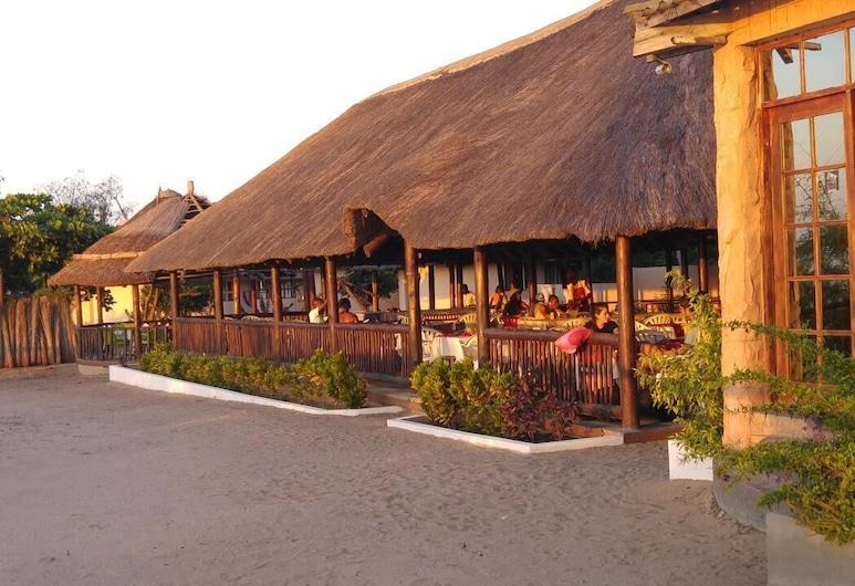 Macaneta Holiday Resort, Marracuene, Front of property