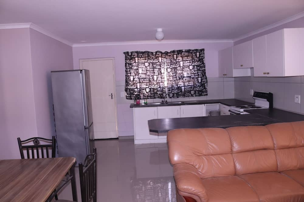 Executive Room - Shared kitchen