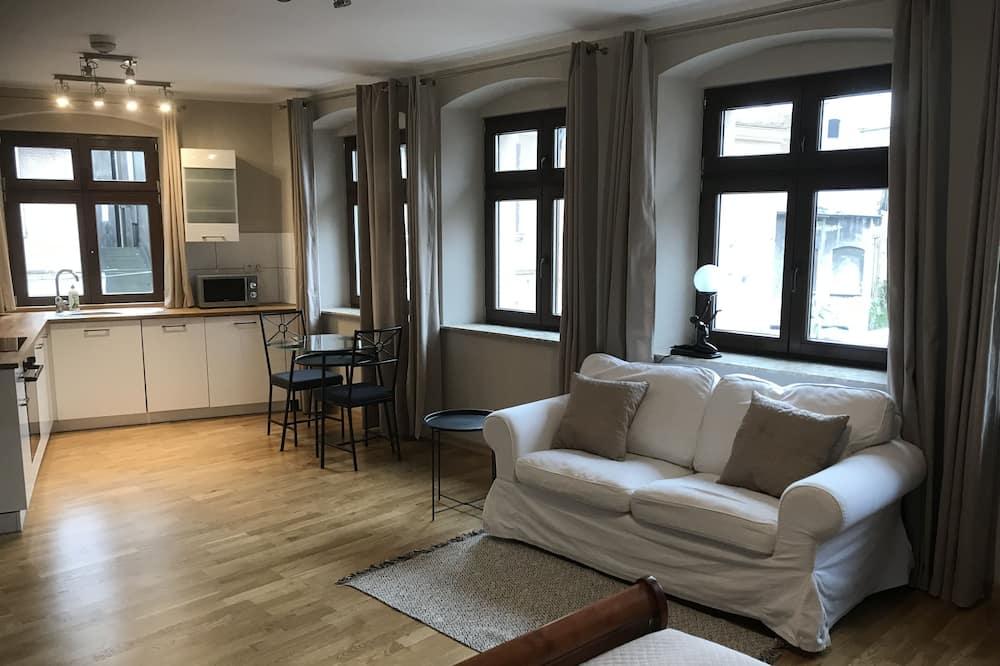 Studio Suite (3) - Living Area