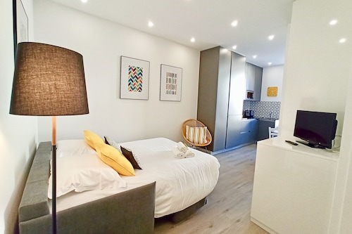 Book Brand New 1 Bedroom Fully Refurbished In Cannes Hotels Com