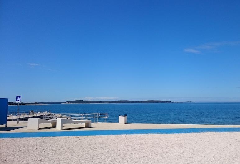 House Gudoo, Pula, Beach