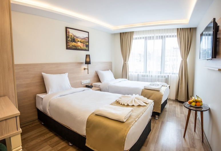 Royal Bosphorus Hotel, Istanbul, Standard Double or Twin Room, Guest Room