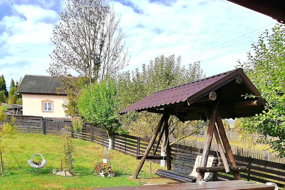 Familienvilla - Blick auf den Garten