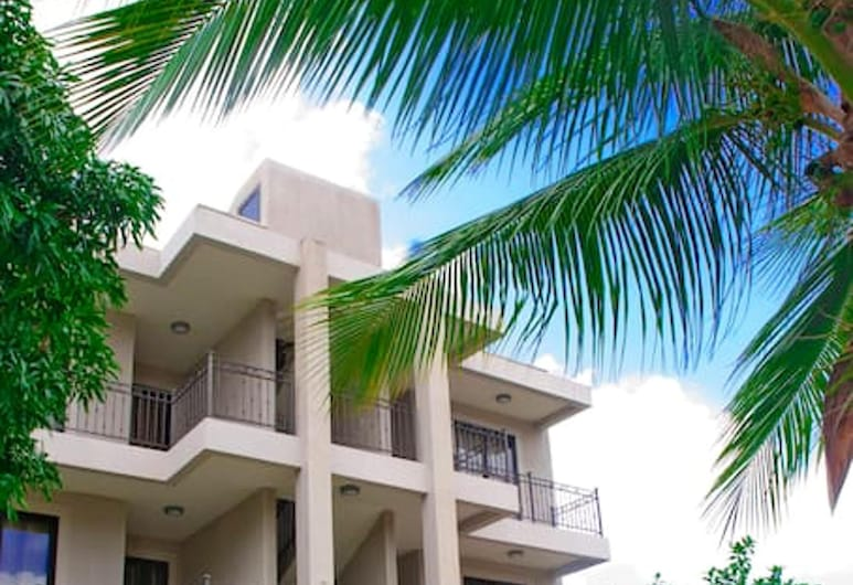Apartment With 2 Bedrooms in Mon Choisy, Grand Baie, With Shared Pool, Terrace and Wifi, Mont Choisy