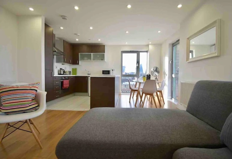 STUNNING APARTMENT BEST VIEW IN TOWN, London