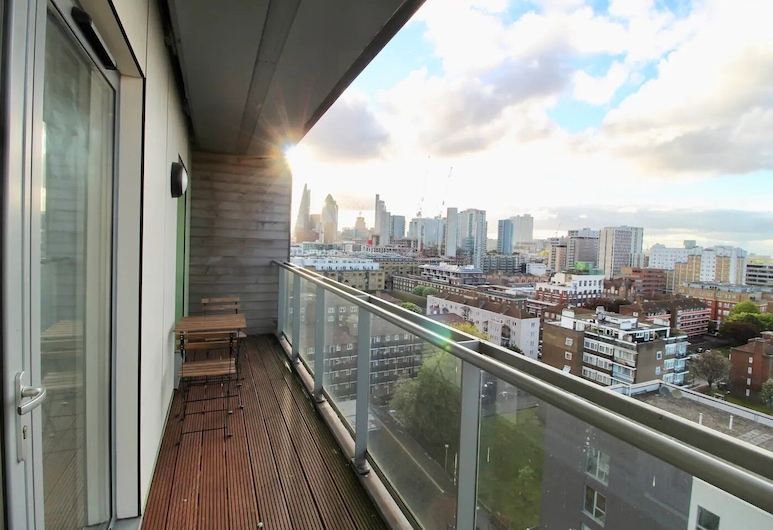 STUNNING APARTMENT BEST VIEW IN TOWN, London, Apartment, Balkon