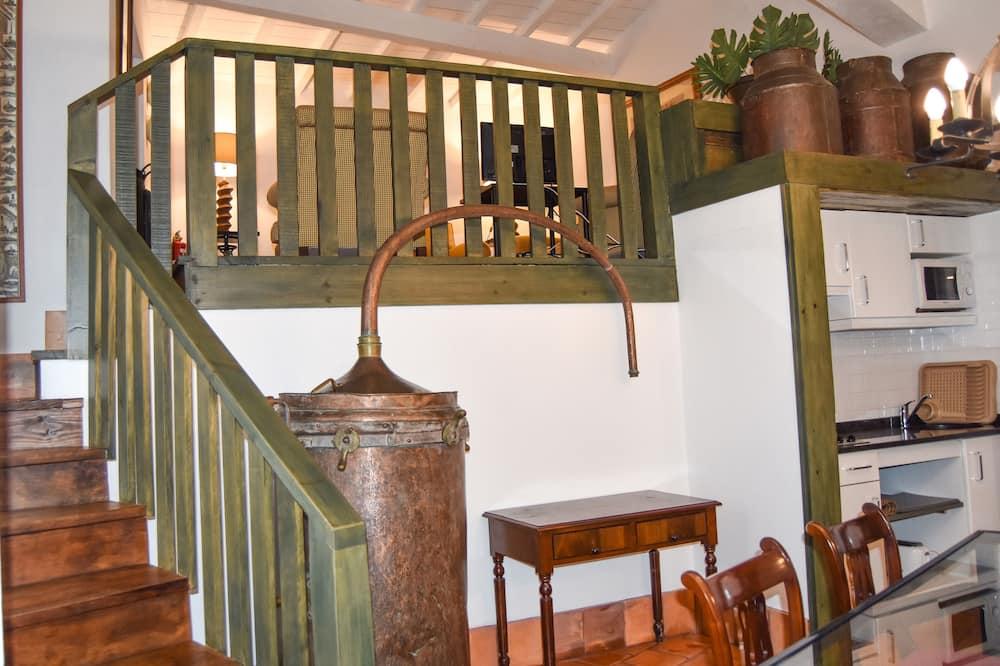 Family Villa, 3 Bedrooms (Alambique) - Living Area