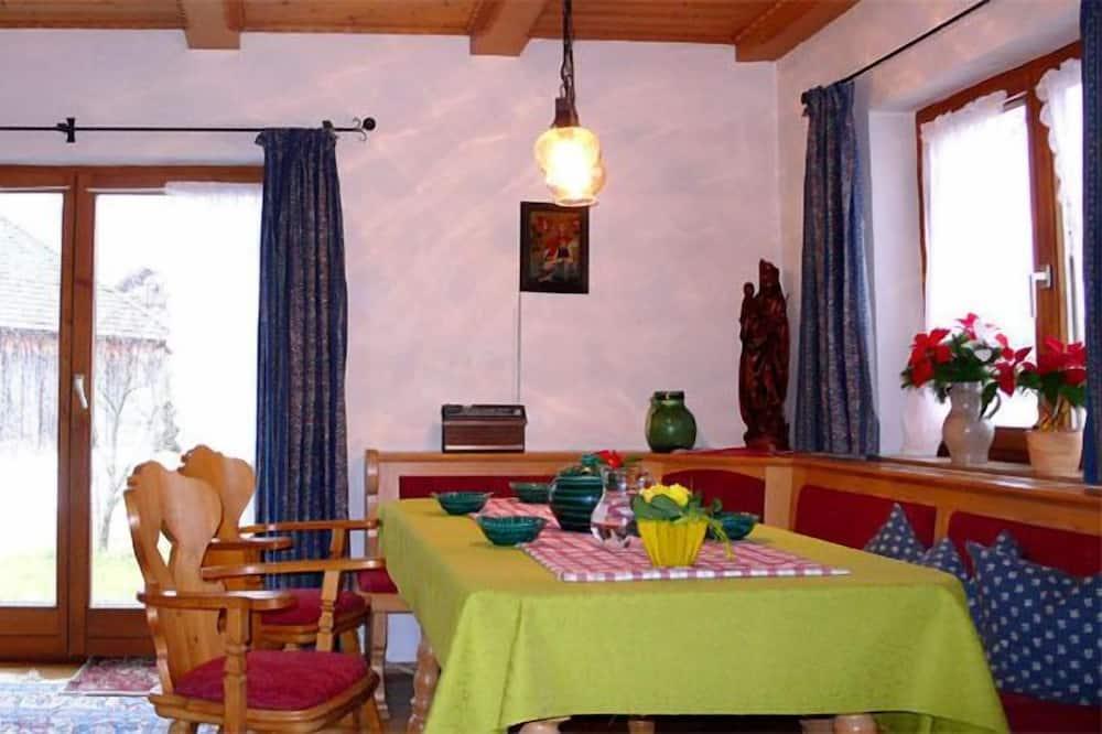 Rodinné studio, terasa - Obývací pokoj