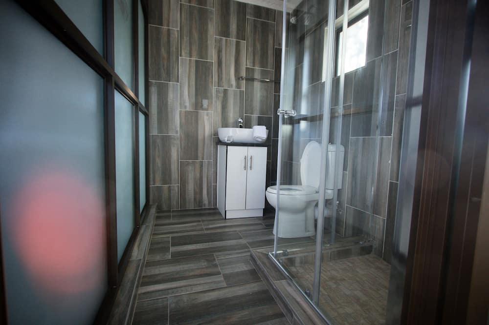 Standard-dobbeltværelse - Bruser på badeværelset