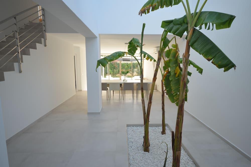 Villa - 5 soveværelser - Opholdsområde