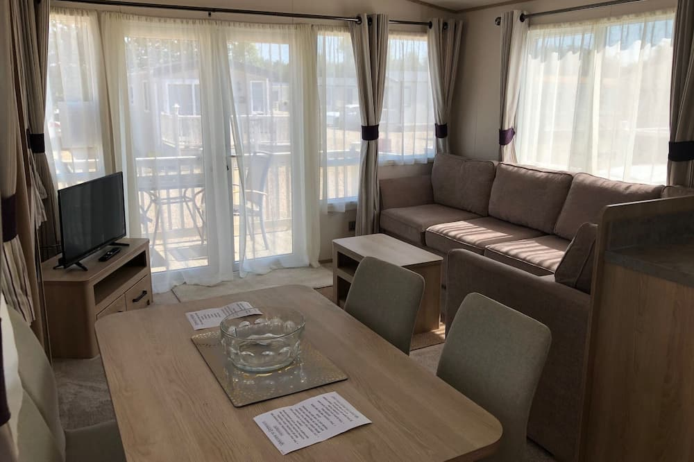 كارافان - ٣ غرف نوم - منطقة المعيشة