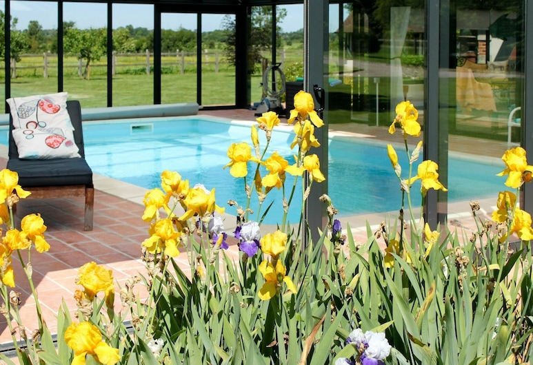 Nice Apartment for 3 People With Wifi, Pool, TV, Pets Allowed and Parking, Notre-Dame-d'Estrees, Pool