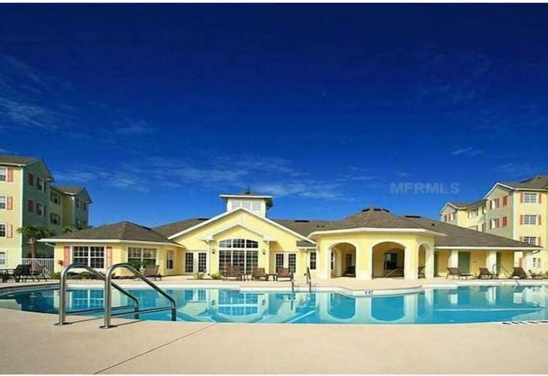 Stunning 3 bed Condo With Pictuersque Water View, Kissimmee