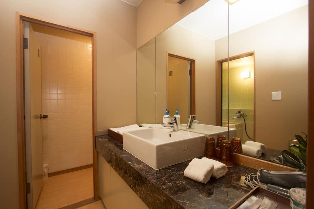 Traditional - neljän hengen huone, Oma kylpyhuone (Japanese Style) - Kylpyhuone