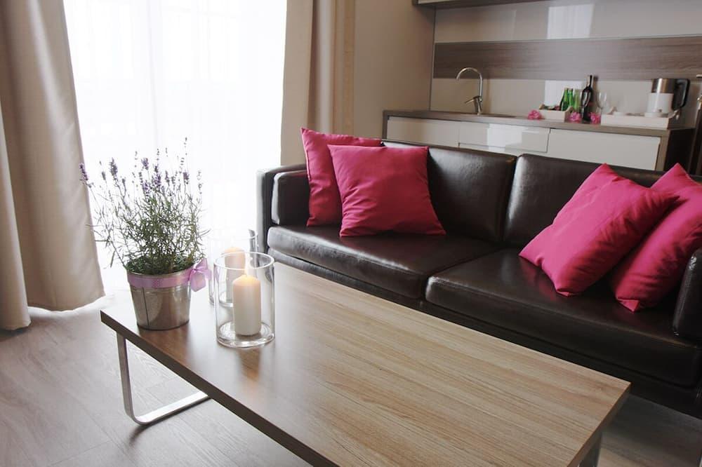 شقة عائلية - غرفتا نوم - منطقة المعيشة