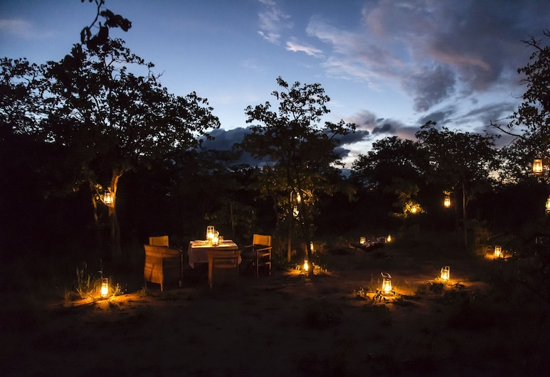 Simbavati Trails Camp, Kruger National Park, 야외 다이닝