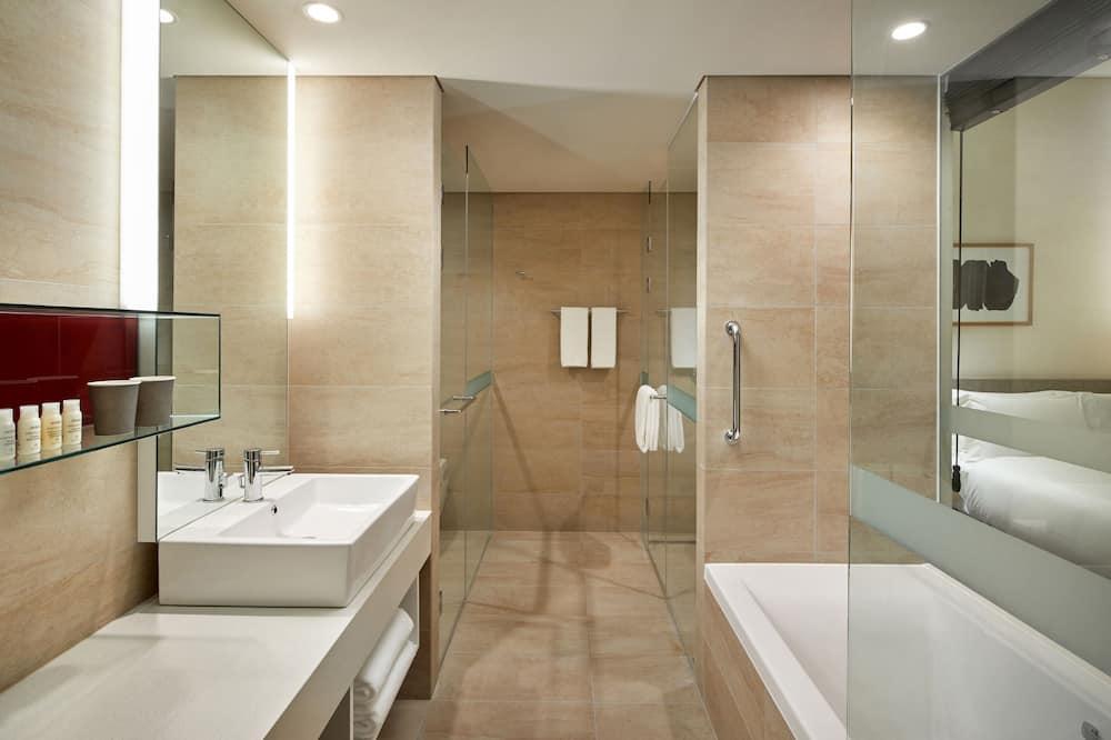 Двомісний номер категорії «Ґранд» - Ванна кімната