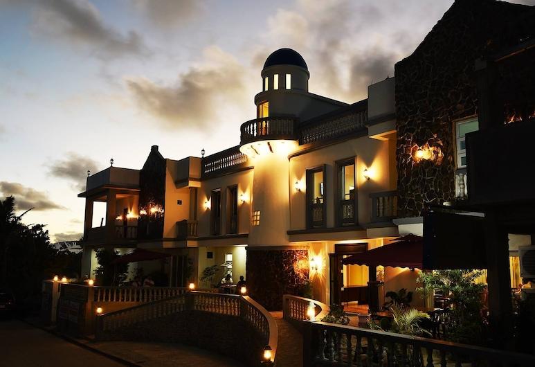 Pension Ivatan, Basco, Hotel Front – Evening/Night