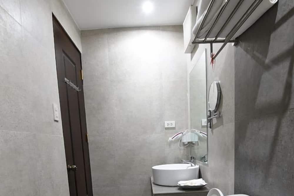 Kamar Keluarga (Standard for 6 Pax) - Kamar mandi