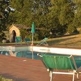 حمّام سباحة خارجي