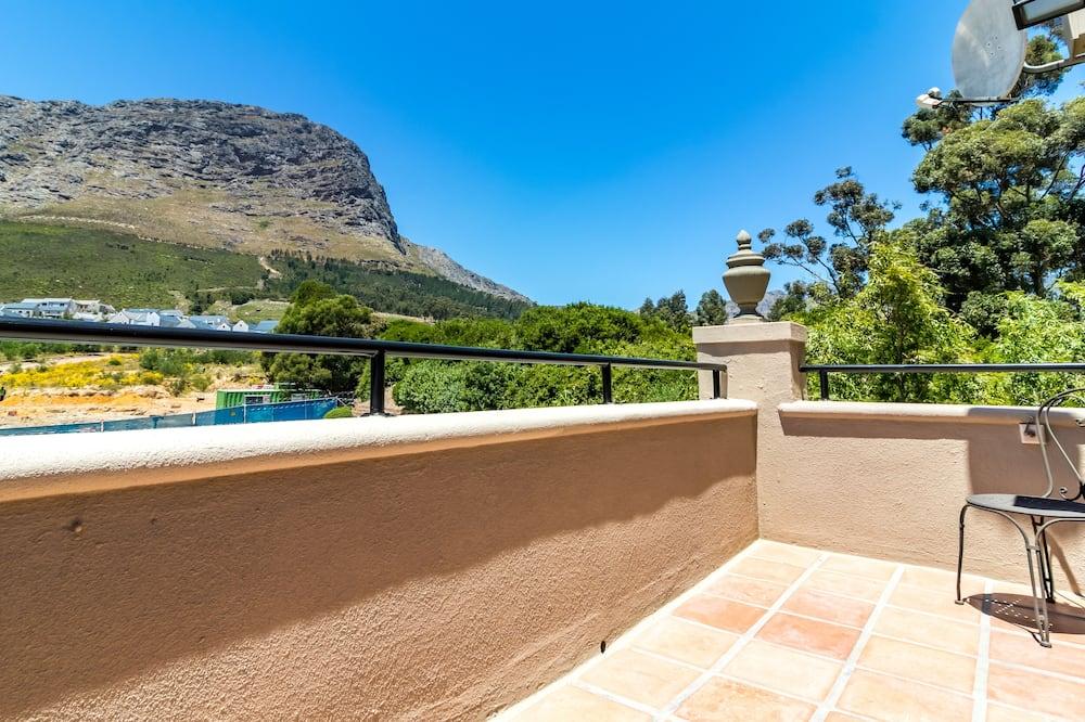Luxury Βίλα, 1 King Κρεβάτι, Θέα στο Βουνό, Στο βουνό - Μπαλκόνι