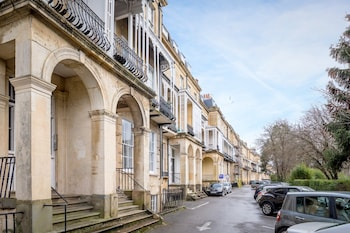 Picture of 27 Lansdown Place in Cheltenham