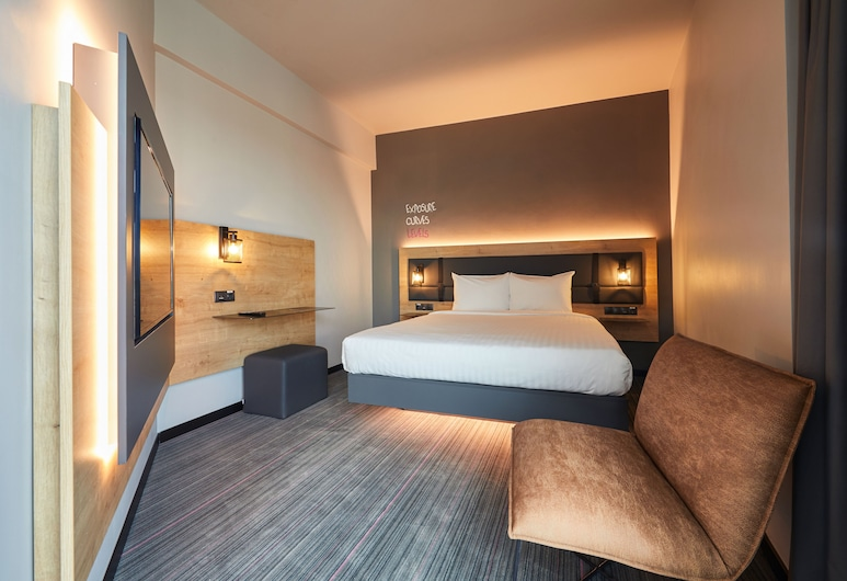 Moxy Bucharest Old Town, Bucharest, Superior Room, 1 Queen Bed, Non Smoking, View, Guest Room