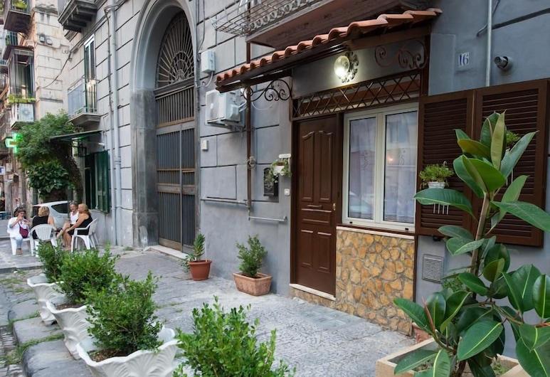 Casa Ventaglieri, Napoli