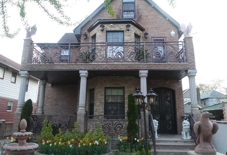 East 42nd Mansion, Brooklyn