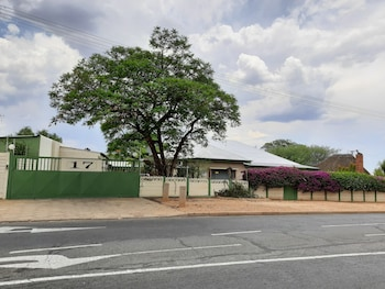 Picture of Ramblers Self Catering Accommodation in Windhoek