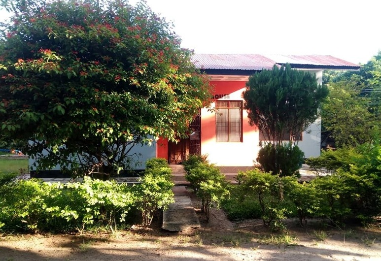 Garden Pub House, Bagamoyo