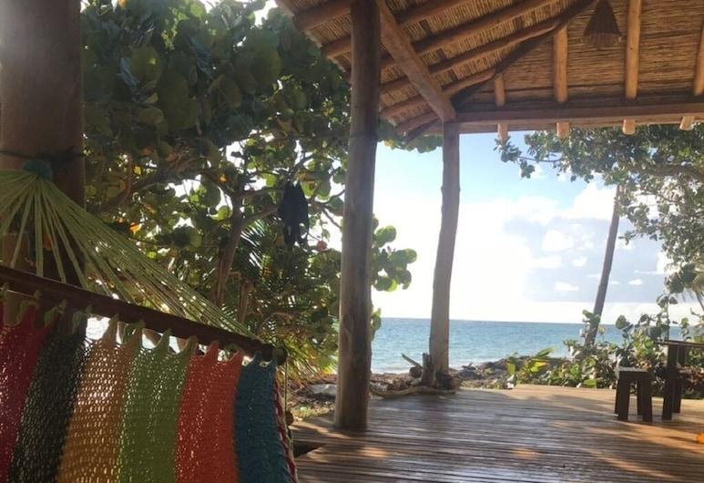 Casa Paraíso. Kleine Maisinsel, Islas del Maíz, Balkon
