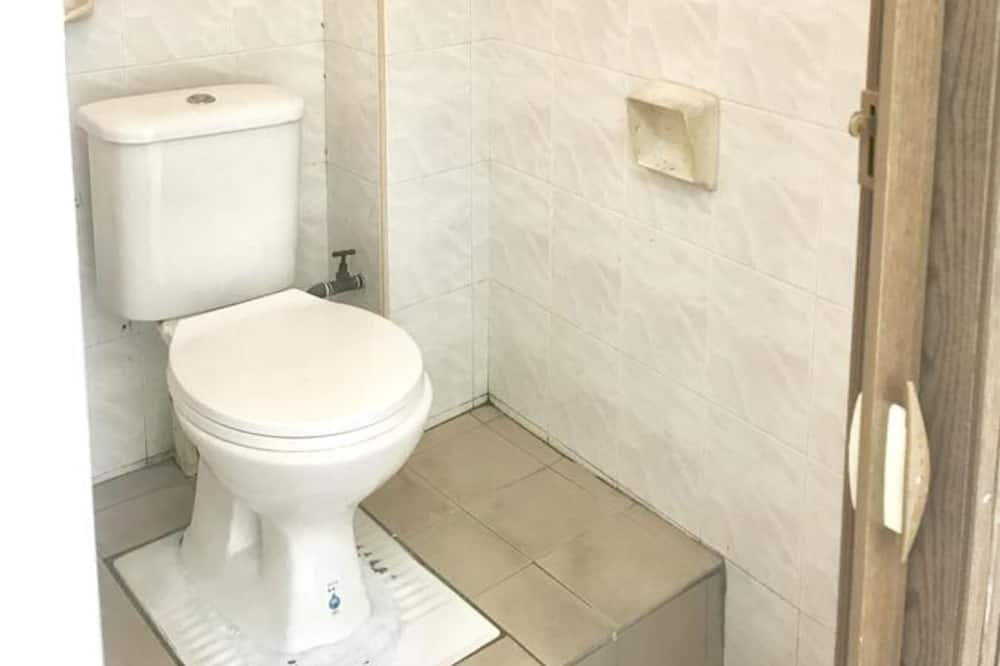 1 Bed in 4-Bedded Mixed Dormitory (Room 2) - Bathroom